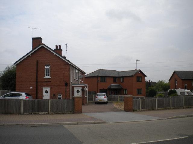 Houses off Tuxford Road, New Ollerton