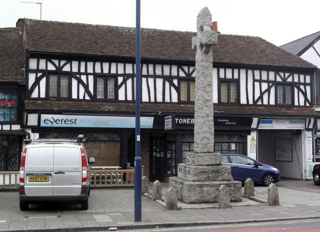 Memorial, High Street, Edgware