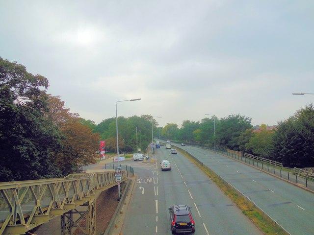 Traffic on A316 Chertsey Road at Twickenham