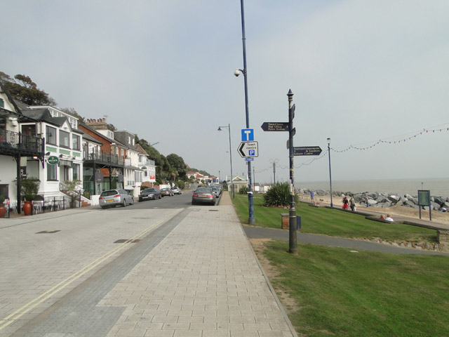 Undercliff Road west, Felixstowe