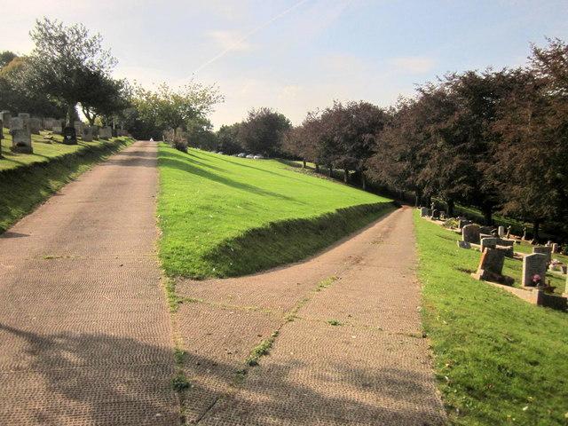 Paths, Torquay Cemetery