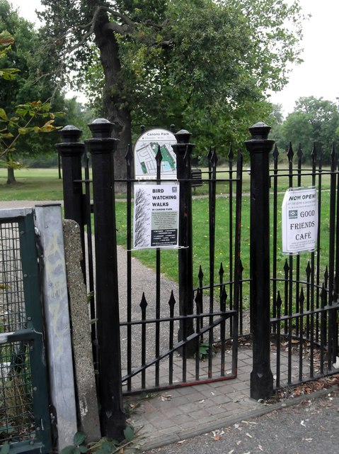 Kissing gate, Canons Park, Whitchurch Lane