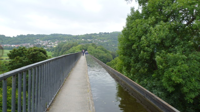 On the Pontcysyllte aqueduct