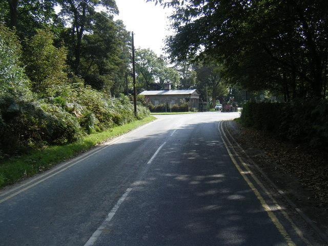 Rostherne Lane looking towards Tatton Park Lodge