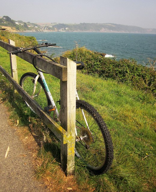 Bike by the sea, Hannafore