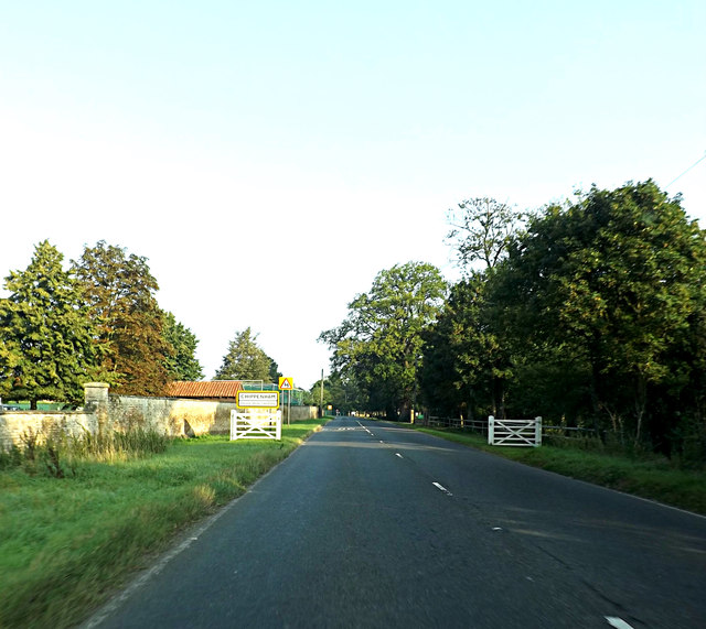 Entering Chippenham on the B1085 Dane Hill Road