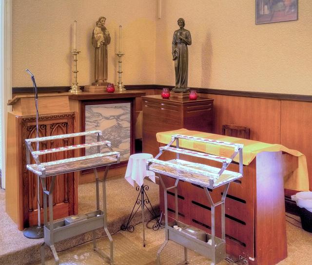 St Antony's Church - Inside the Tin Tabernacle (7)
