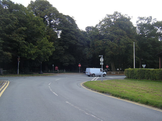 Garden Road with Tatton Park ahead