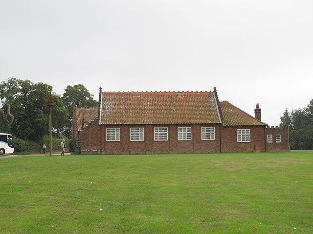 Lynton White Institute, Salle