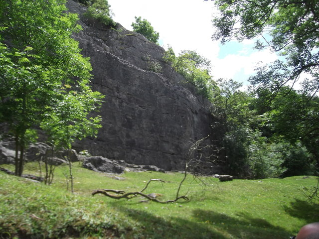 Pot Hole Quarry, Llanferres