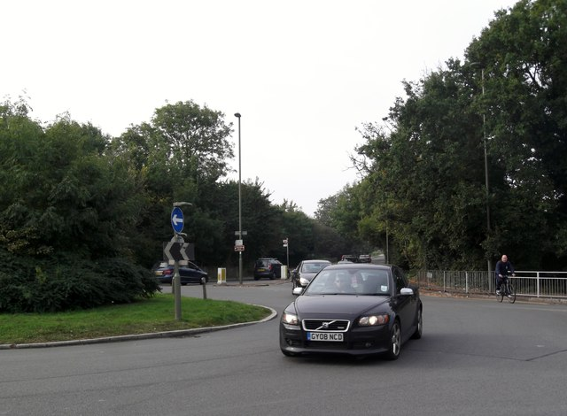 Marsh Lane roundabout, Edgware