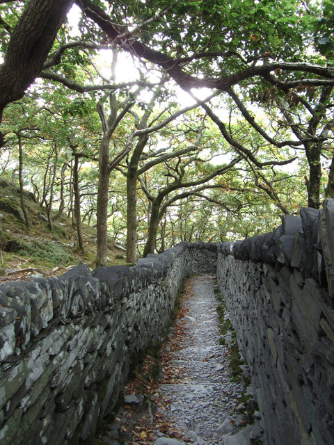 Narrow footpath in Dinorwic Quarry