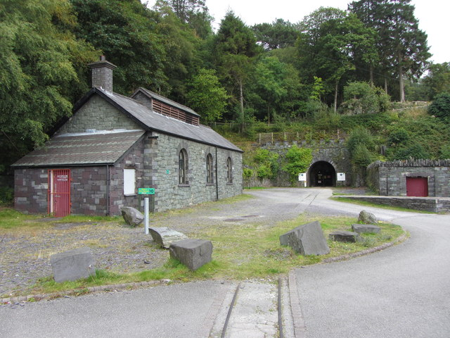 Former locomotive shed and railway tunnel, Dinorwic Quarry