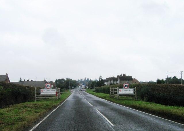 Entrance to Little Harrowden