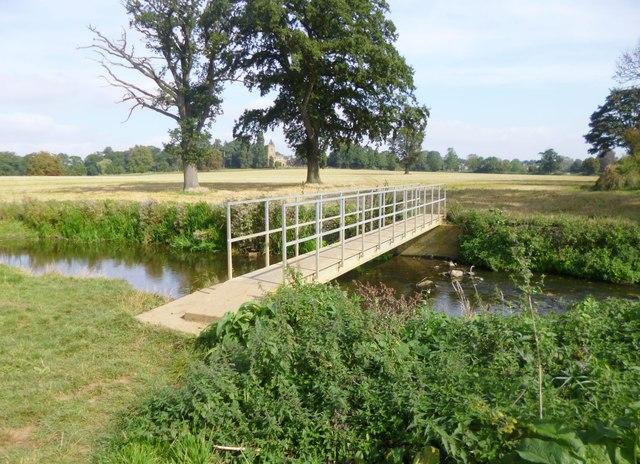 Flore, footbridge