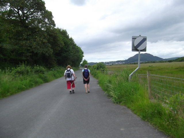 Walkers on the old road from Minffordd to Porthmadog