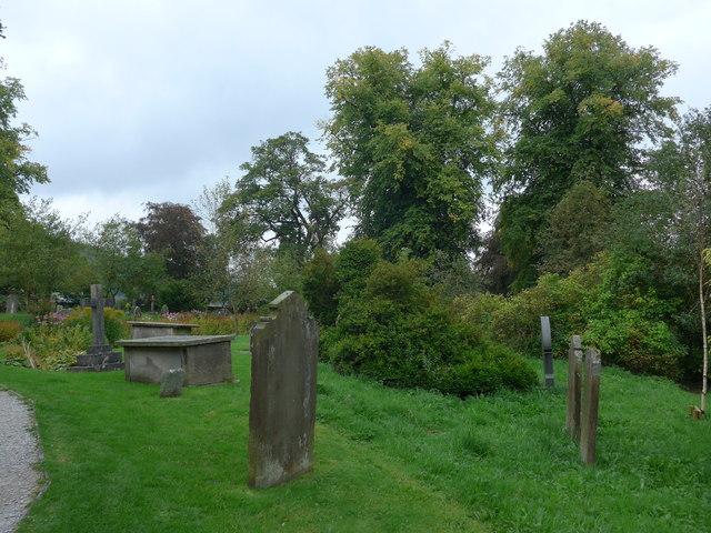 St. Mary, Kettlewell: churchyard