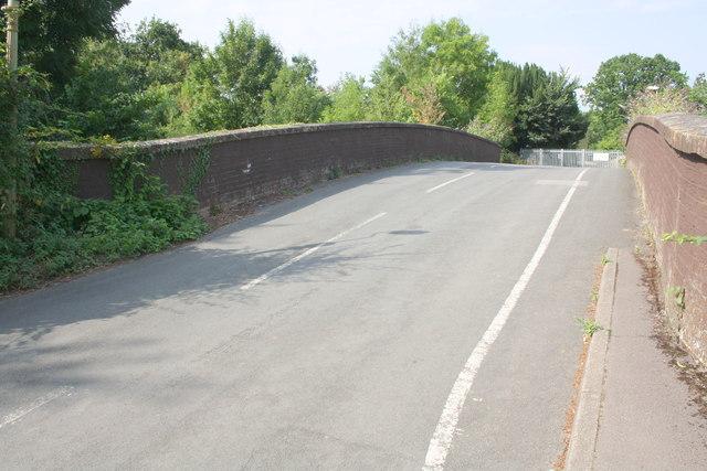 Bridge carrying Mays Lane over railway