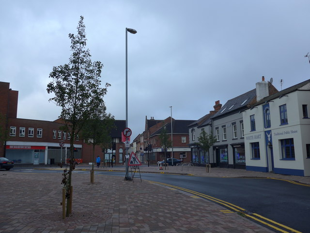 Approaching the White Hart in Churchgate