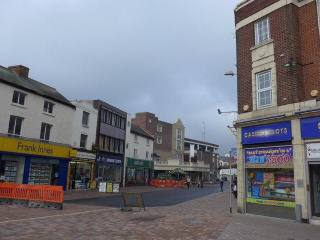 Looking from Biggin Street into Swan Street