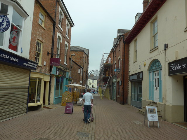 Heading southwards down the pedestrianized part of King Street