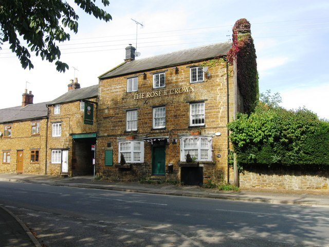 The Rose & Crown, Chipping Warden