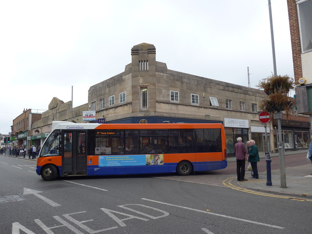 Bus turning from Windsor Street into Sherrard Street