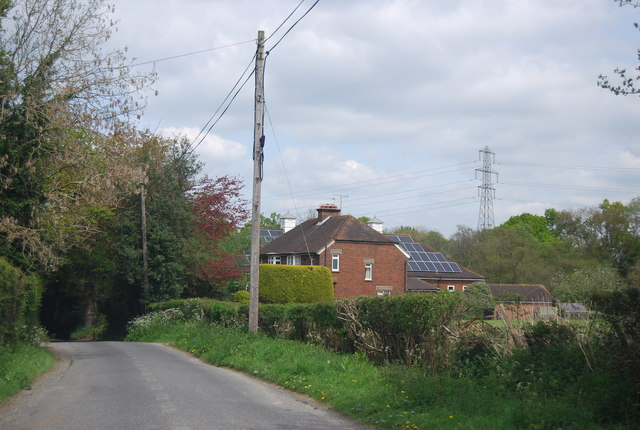 Approaching Whitesbridge Farm