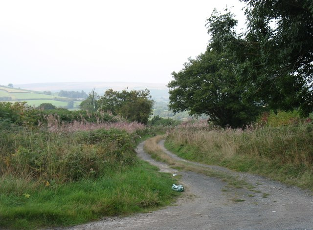 The start of the bridleway to Pen-y-rhiw