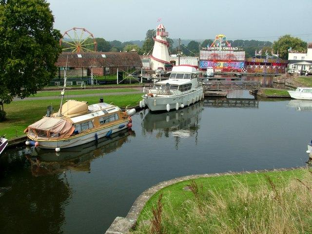 Stourport-on-Severn basin pleasure boats