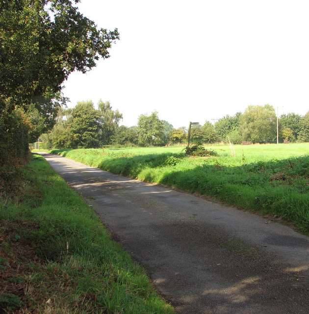 Footpath off Long Lane