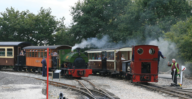 Statfold Barn Railway - busy afternoon