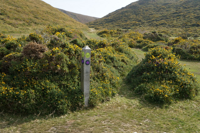 Marker post at Maen Esgob