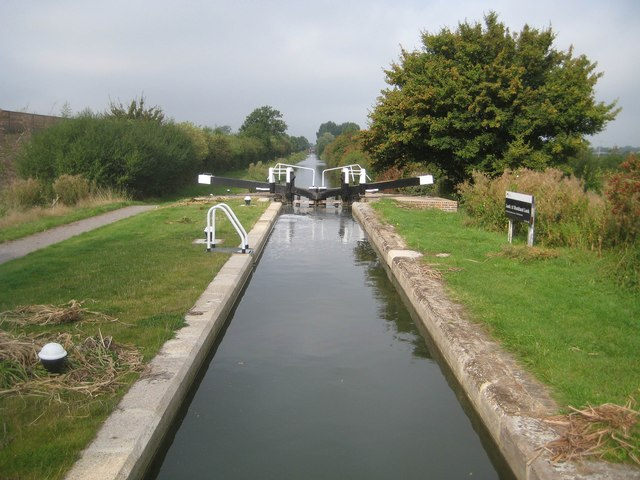Grand Union Canal: Aylesbury Arm: Buckland Lock No 12 (as rebuilt)
