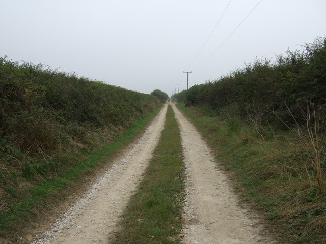 Green lane over Thornholme Field