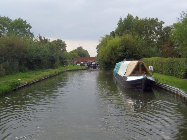 Grand Union Canal: Aylesbury Arm: Red House Lock No 13