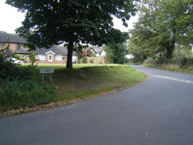 Hield Lane/Park Lane junction