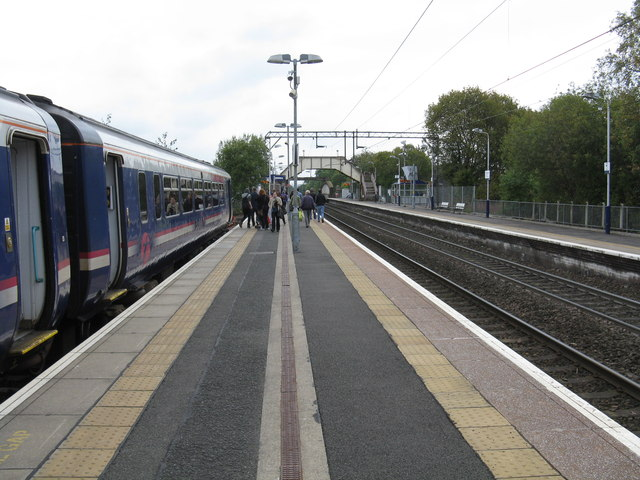 Anniesland railway station looking south
