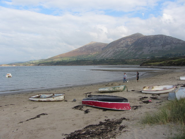 Shoreline at Trefor