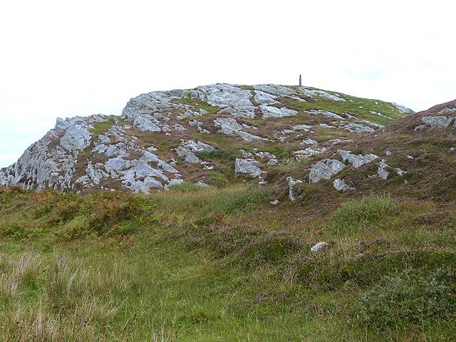 Standing stone on Cnoc Eibriginn