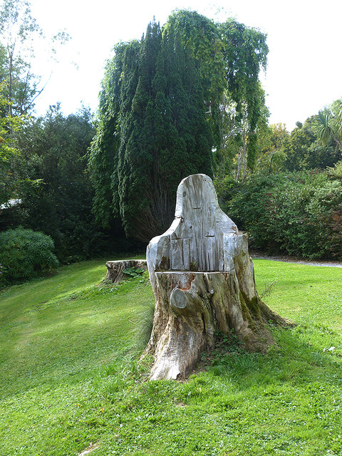 Tree trunk seat in the gardens of Colonsay House