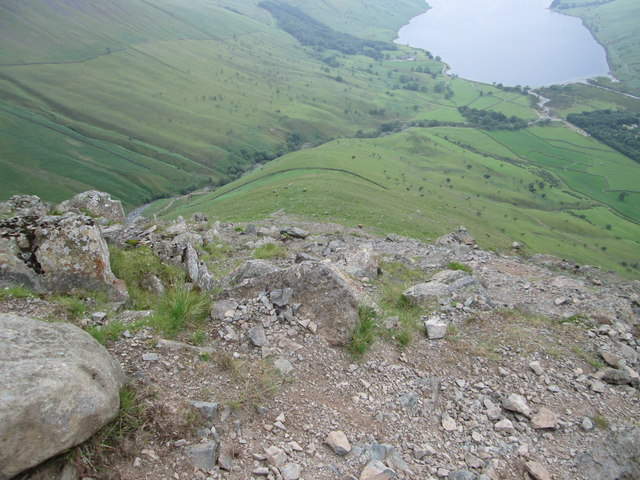 Steep descent down the main shoulder of Lingmell
