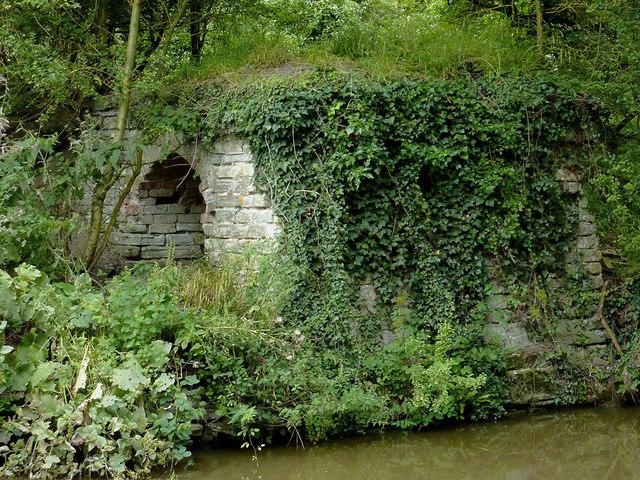 Dismantled canal bridge near Wilmcote, Warwickshire