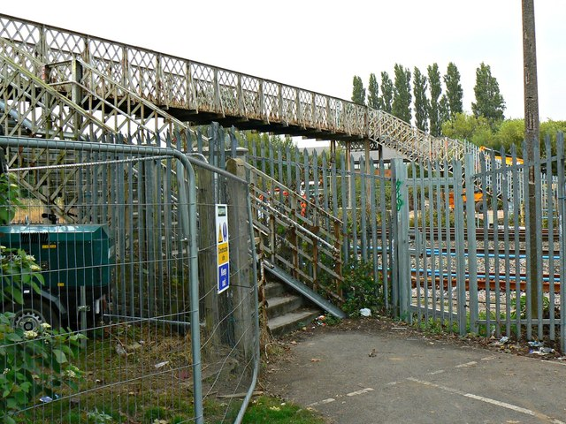 Footbridge, Paddington to the West railway, Stratton, Swindon (1)