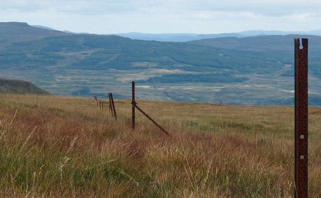 Fenceline, Gleann Chlacha Mòra, Ardmeanach, Isle of Mull
