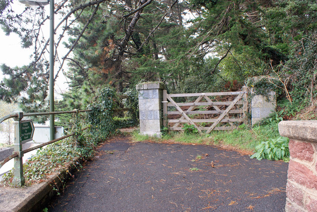 Start of path to Old Paignton Road