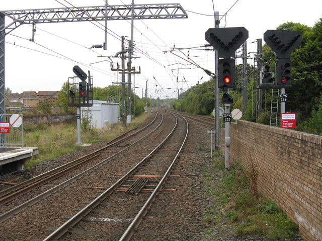 Kilwinning station - view north from the branch platforms