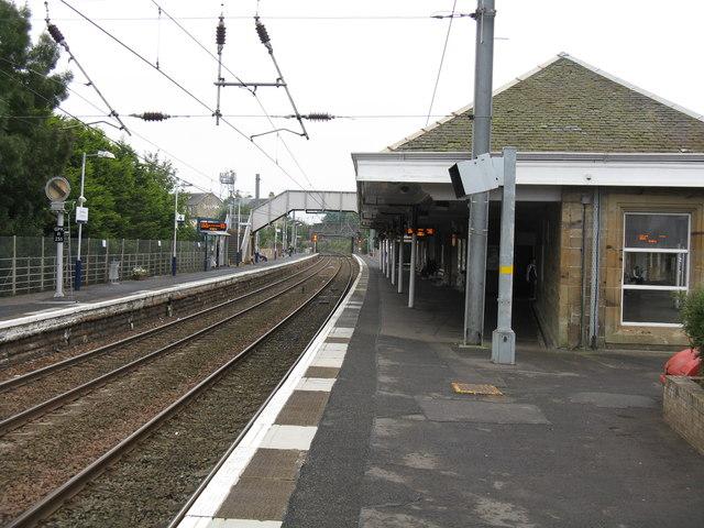 Kilwinning station - the main line platforms