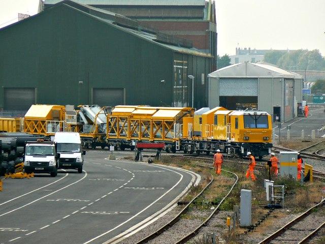 Track maintenance train, near Transfer Bridge, Swindon