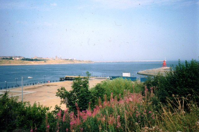 Entrance to River Tyne in 1991